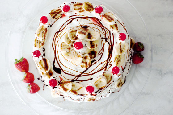Banana Split PieCake