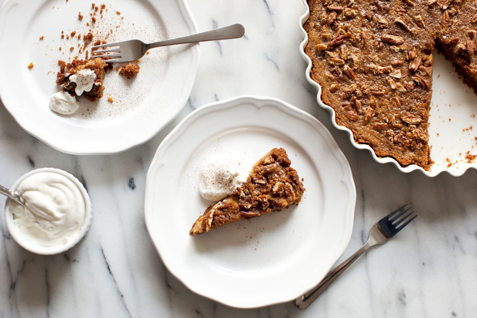 Butternut Squash Pie Recipe with Pecan Streusel and Speculoos Cookie Crust. Full Recipe!