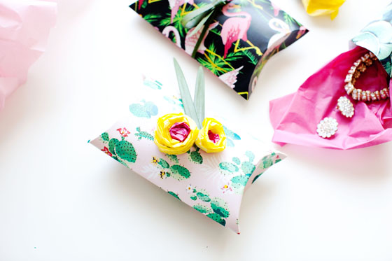 DIY pillow boxes and gift wrapping ideas #12MonthsofMartha