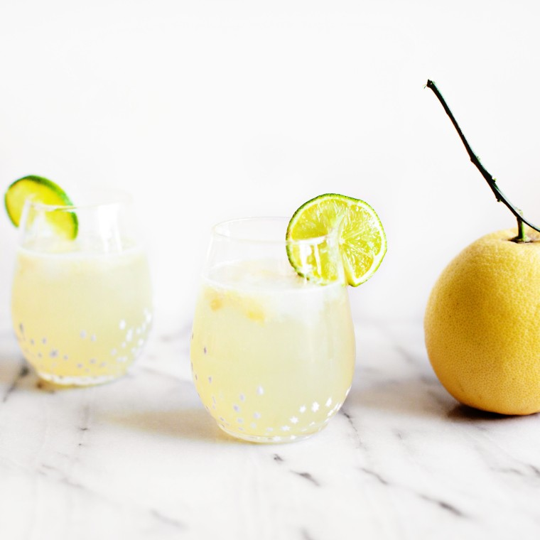 White Grapefruit Paloma Recipe made with fresh grapefruit
