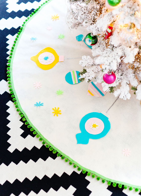 DIY No-Sew Felt Christmas Tree Skirt