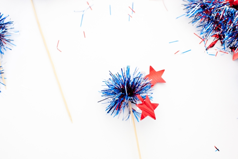 DIY July 4th Cupcake Toppers