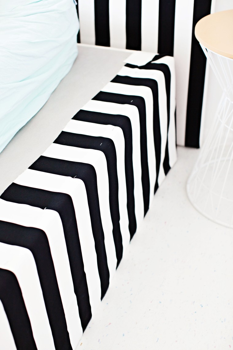 Diy Striped Bed Skirt And Headboard Melodrama