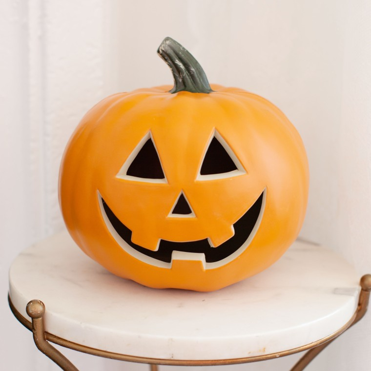DIY Gold and White Halloween Light-Up Pumpkin (4).jpg