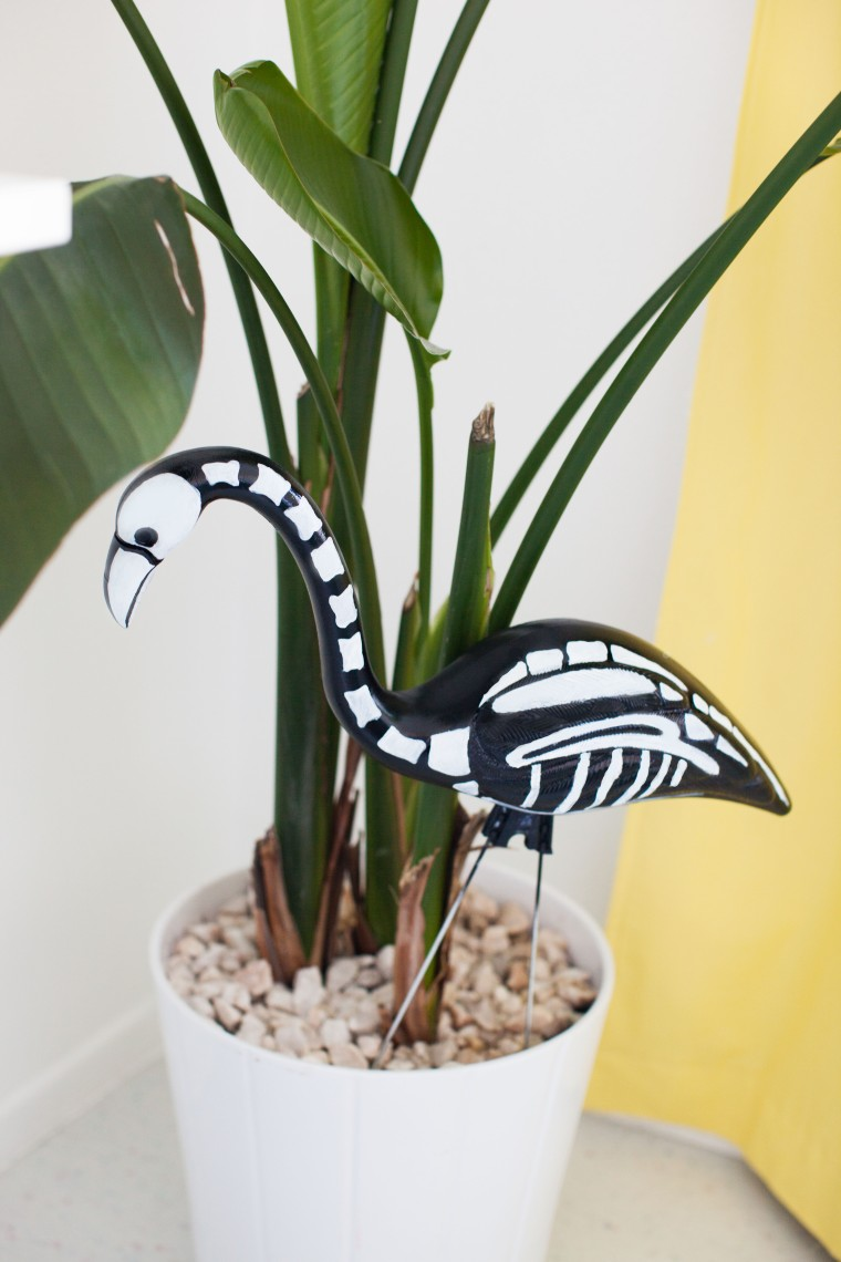 DIY Plastic Halloween Flamingo Skeleton