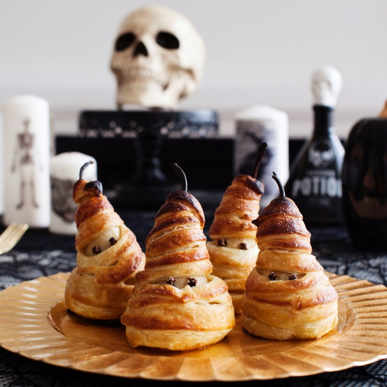 poached-pear-mummy-pies-5
