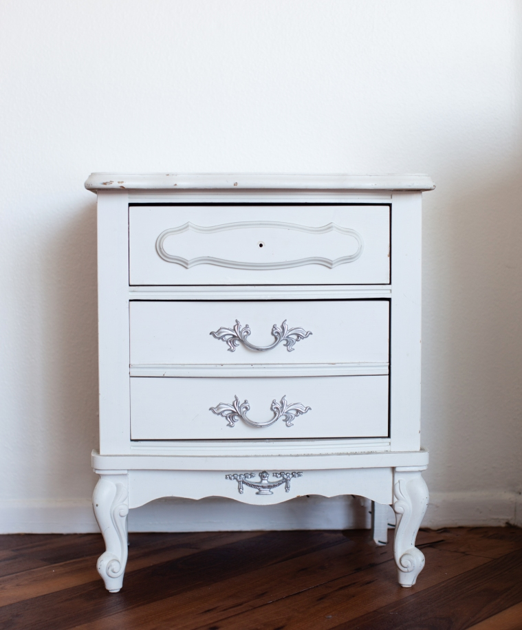 Table Makeover with Chalk Paint® by Annie Sloan.jpg