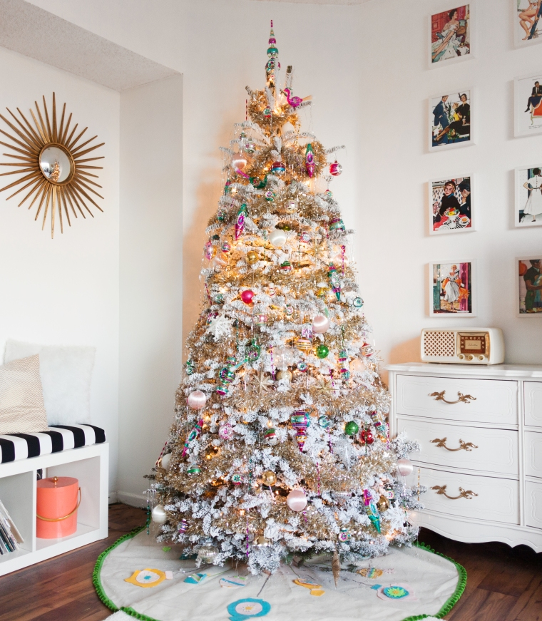 vintage-inspired-christmas-tree-decor