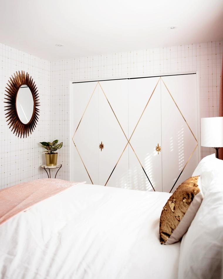 DIY Renter Friendly Closet Idea.jpg