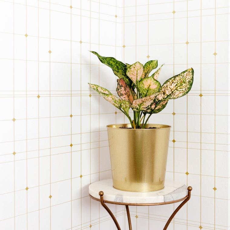 Gold geometric wallpaper from Tempaper.jpg