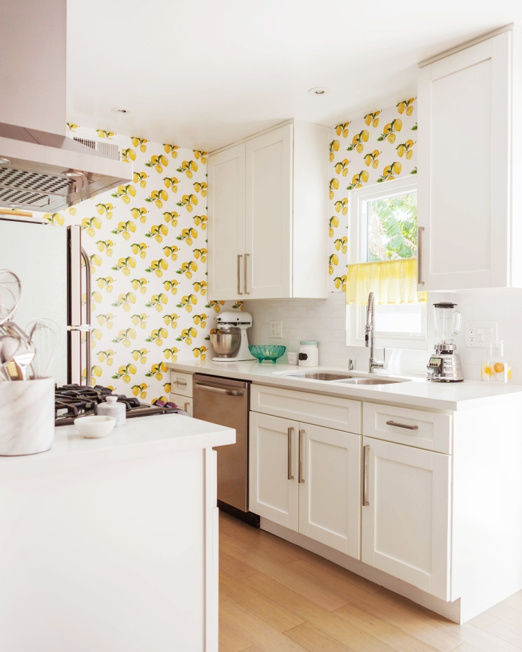 Melodrama's Custom Printed Lemon Wallpaper from Tempaper.jpg