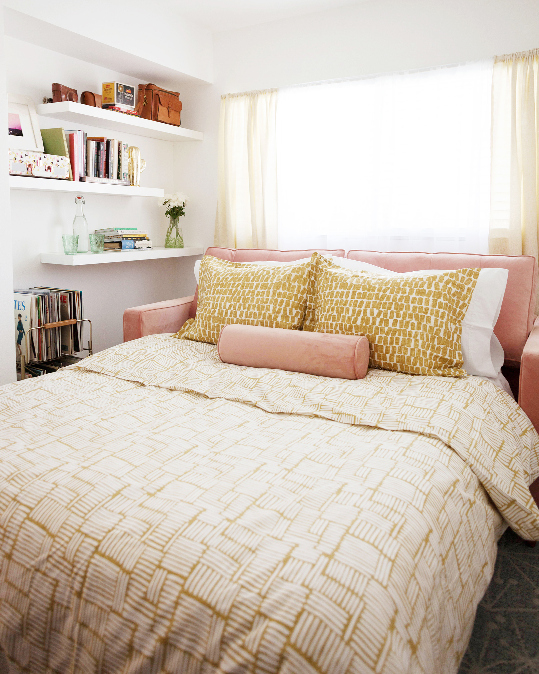Retro Office Guest Room with Pullout Sofa Bed-